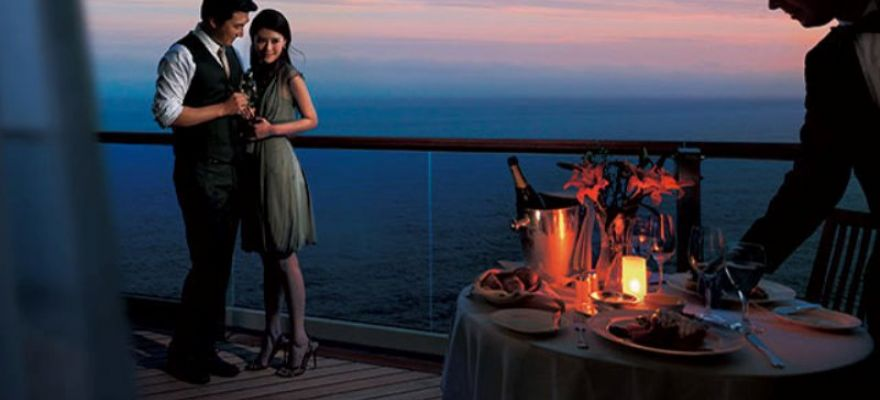M/Y Dream Romantic Dinner
