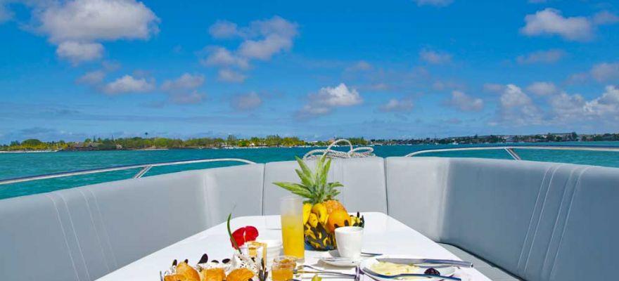 M/Y Asiyan Breakfast On Board